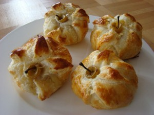 baked apple in puff pastry low res