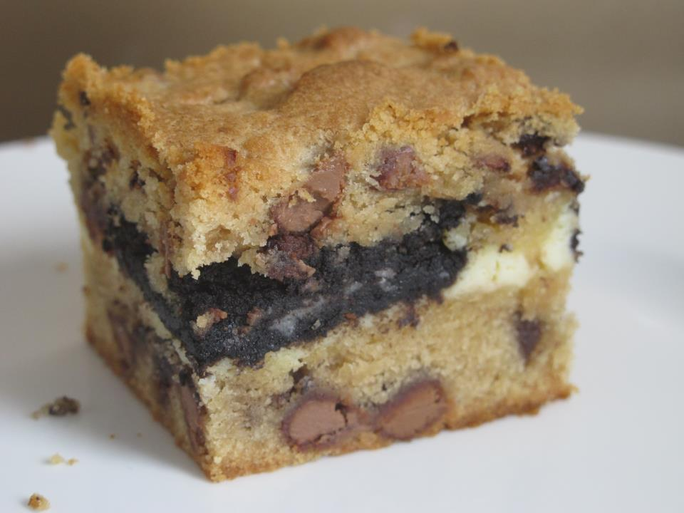 oreo cream cheese blondie
